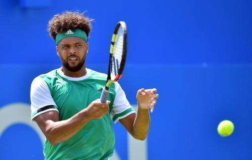 Tsonga races into second round at Queen's, Dimitrov cruises