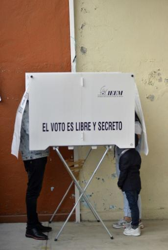 Mexico ruling party claims win in key state, rivals cry foul