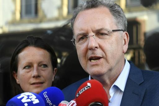 Ex-minister to run France's ruling party in parliament