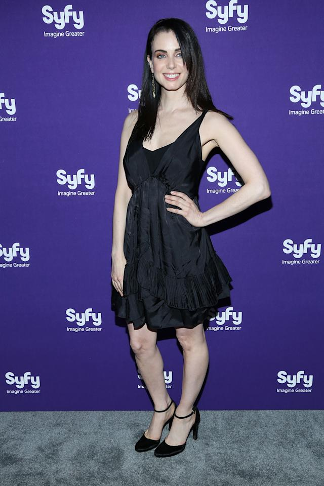 "NEW YORK, NY - APRIL 10:  Mia Kirshner of ""Defiance"" attends Syfy 2013 Upfront at Silver Screen Studios at Chelsea Piers on April 10, 2013 in New York City.  (Photo by Rob Kim/Getty Images)"