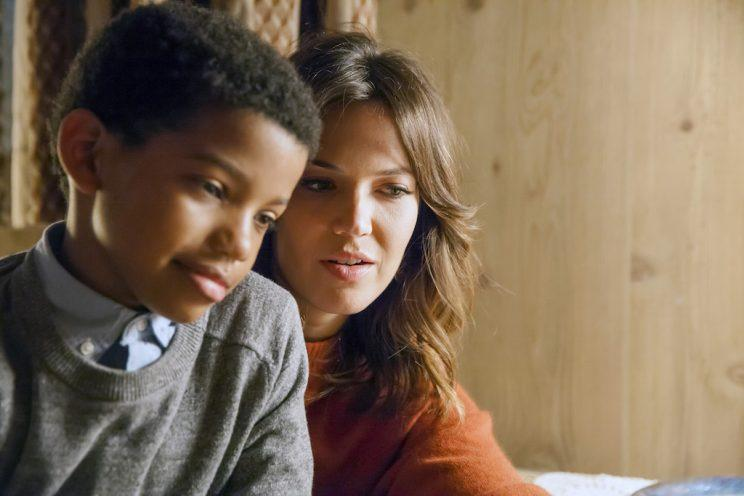 Lonnie Chavis as 8-year-old Randall and Mandy Moore as Rebecca (Credit: Ron Batzdorff/NBC)