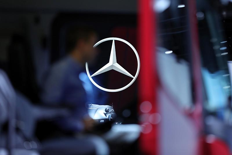 China's Geely Denies Report It Cut Daimler Stake by Half