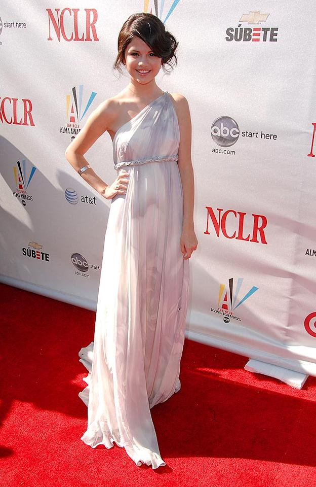 "For a minute we almost mistook ""Wizards of Waverly Place"" star Selena Gomez for Princess Leia in her side swept 'do and goddess gown. Gregg DeGuire/<a href=""http://www.wireimage.com"" target=""new"">WireImage.com</a> - August 17, 2008"