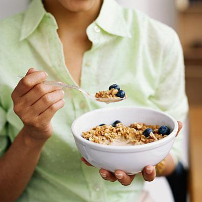"<div class=""caption-credit""> Photo by: getty</div><b>You skip breakfast</b> <p> There's lots of evidence that people who eat breakfast tend to have healthier weights, so start the day right by making time for a morning meal. <br> <br> Experts say whole-grain cereal is one of the <a href=""http://www.health.com/health/package/0,,20465727,00.html"" rel=""nofollow noopener"" target=""_blank"" data-ylk=""slk:best breakfast choices"" class=""link rapid-noclick-resp"">best breakfast choices</a> for dieters. <br> <br> It's quick and easy, too-so there goes the excuse about not having time before work. </p>"