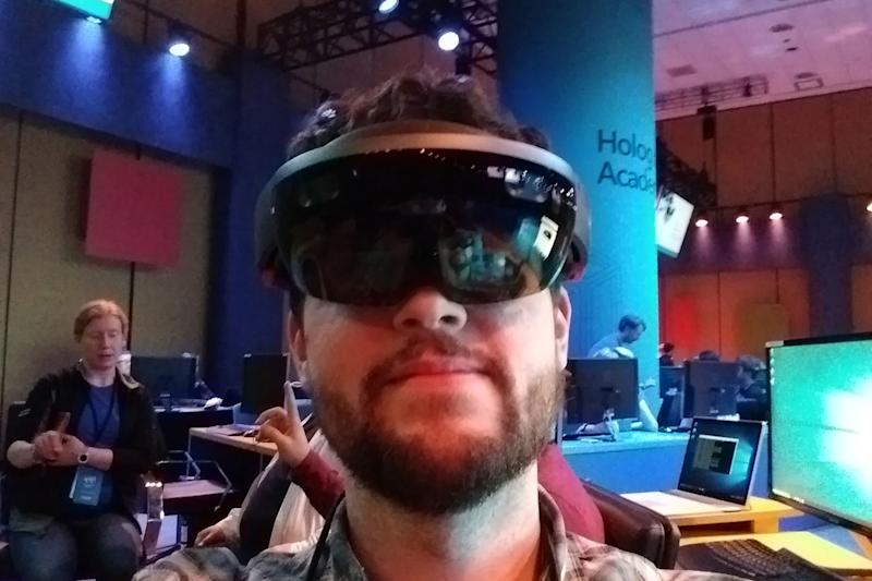 HoloLens 2 could pack Qualcomm's new XR1 chip for extended reality