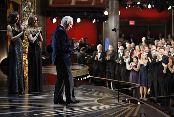 Christopher Plummer accepts his Academy Award