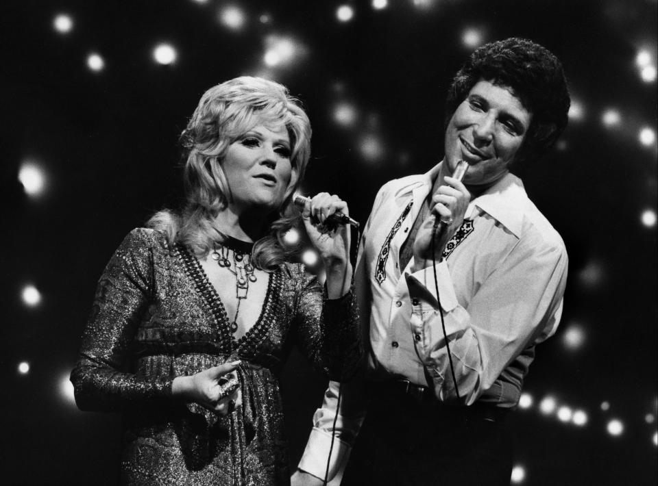 Dusty Springfield and Tom Jones singing in 1971. (Photo by Walt Disney Television via Getty Images Photo Archives)