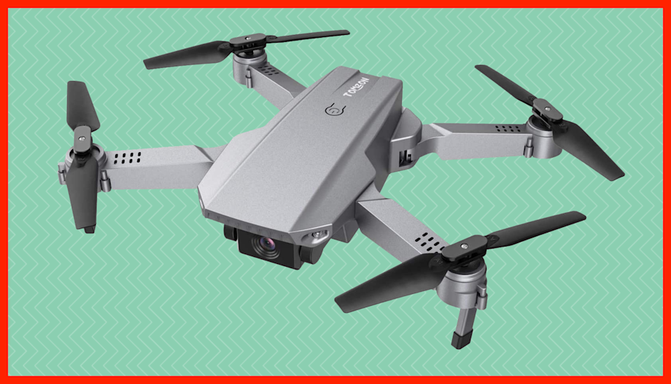 Fly high—and save 25 bucks on the Tomzon D25 4K Drone. (Photo: Amazon)