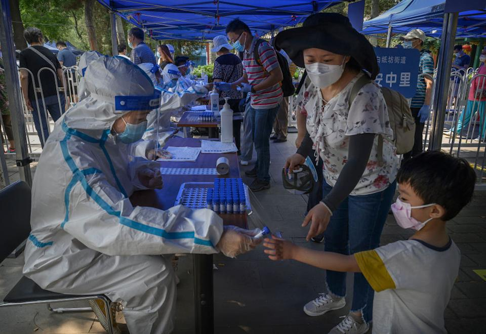 Thousands of pop-up clinics are now located across Beijing. Source: Getty