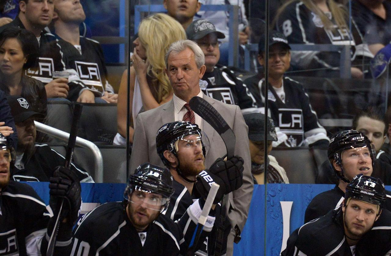 Watch Darryl Sutter's painfully awkward press conference after Game 6 (Video)