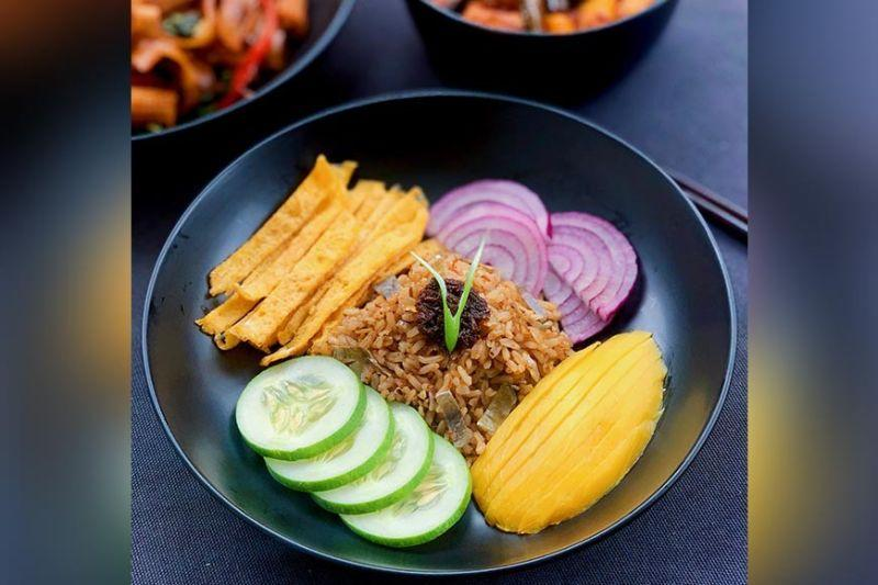 Flight attendant launches healthy food business