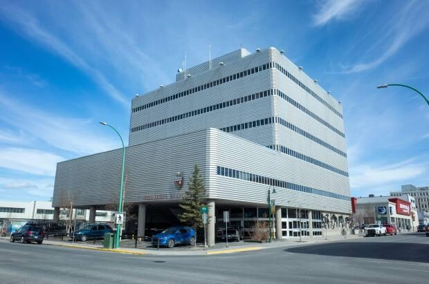 On his way back to Nunavut after a court circuit, a Nunavut court worker allegedly sexually assaulted a woman in a Yellowknife hotel room following a night of drinking. (Walter Strong/CBC - image credit)