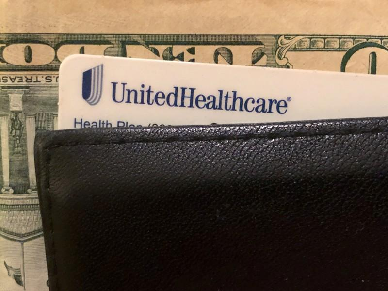UnitedHealth forecasts 2020 earnings, midpoint below estimates