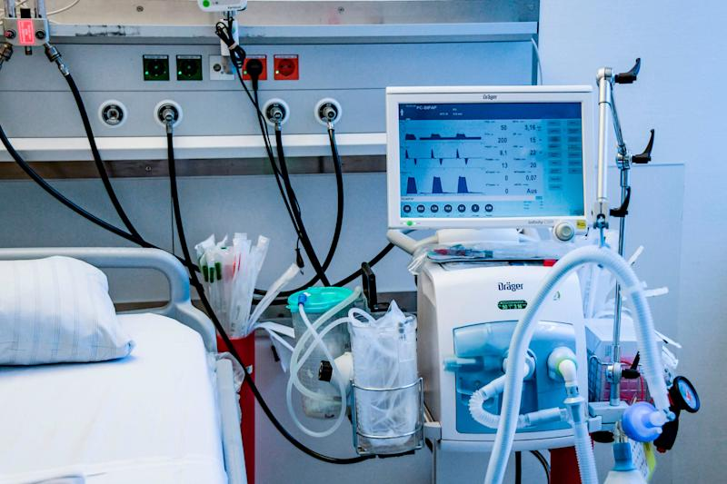 The government has ordered tens-of-thousands of ventilators to deal with the crisis. (Photo: AXEL HEIMKEN via Getty Images)