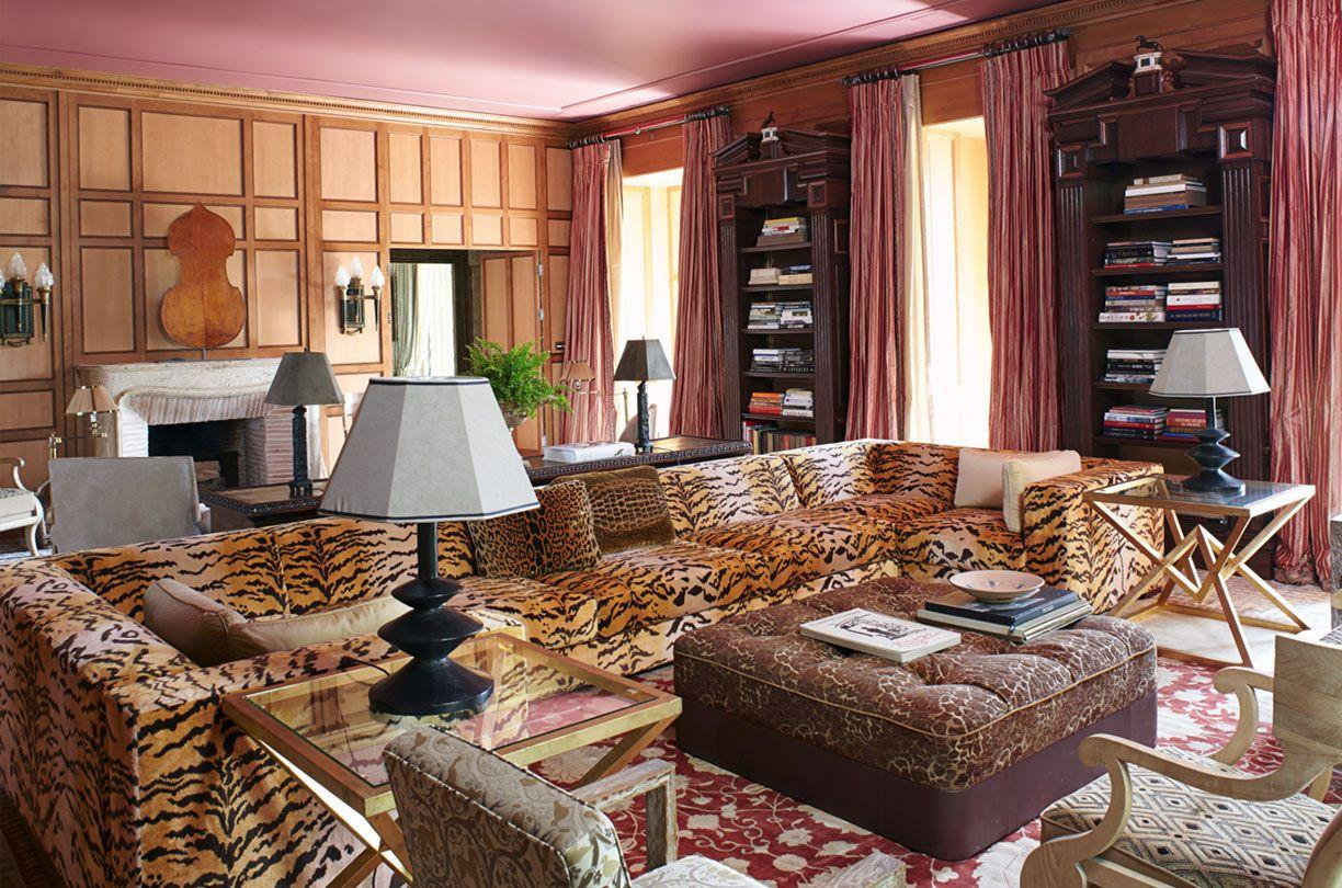 <p>Often reserved for rest and leisure, home libraries offer more intimacy than public and university libraries without sacrificing the splendor and elegance. From classic paneled walls to blue lacquered ceilings, these home library ideas will help you create a stylish yet cozy space for unwinding and for showcasing treasured tomes. Use these stunning home library designs from the world's top designers to inspire your own reading nook.</p>