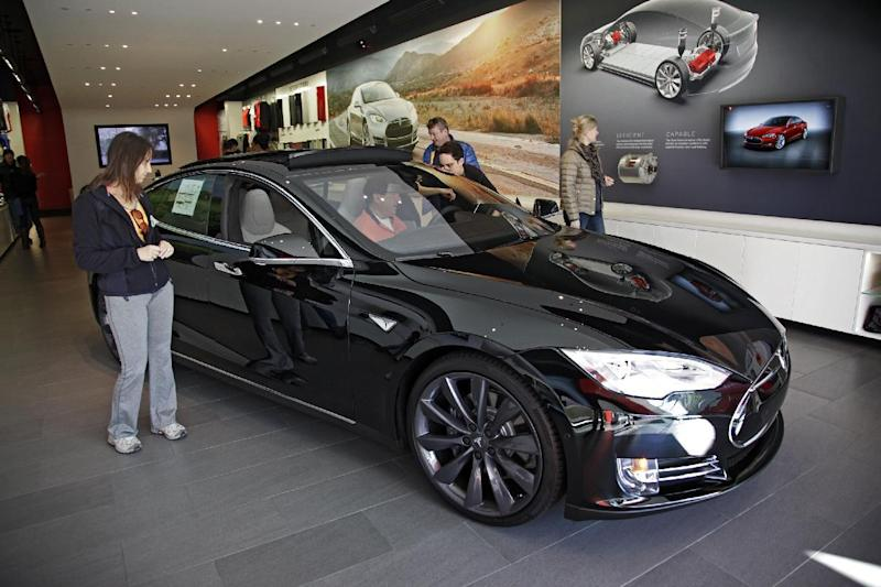 Tesla sues MI, challenges law requiring dealer sales