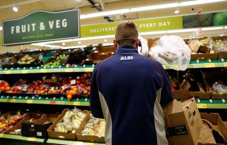 Aldi, Lidl pull in record share of United Kingdom shoppers
