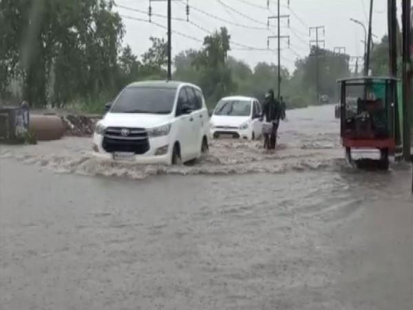 Visuals of a street in Nagpur inundated in heavy rains(Photo/ANI)
