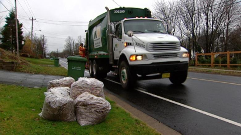 Halifax garbage overhaul gets public airing at City Hall