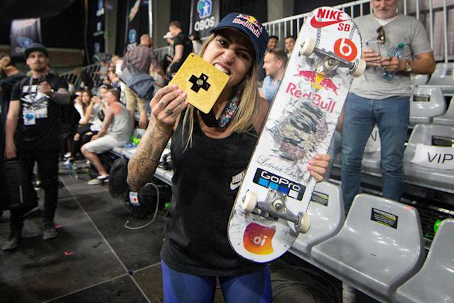 Brazilian skateboarder Leticia Bufoni celebrates after winning the X Games Women's Street Skateboard Final in Oslo, Norway May 18, 2018. Fredrik Hagen/NTB scanpix/via REUTERS ATTENTION EDITORS - THIS IMAGE WAS PROVIDED BY A THIRD PARTY. NORWAY OUT.
