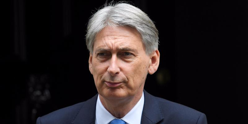 Hammond refuses to rule out customs union with EU after Brexit