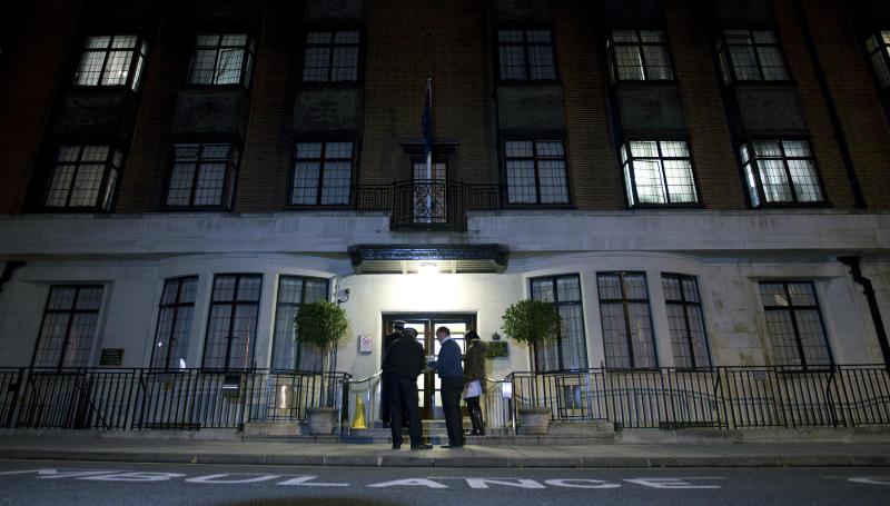 "Policeman stand guard outside the King Edward VII hospital where the Duchess of Cambridge has been admitted with a severe form of morning sickness, in London, Monday, Dec. 3, 2012. Prince William and his wife Kate are expecting their first child. St. James's Palace announced the pregnancy Monday, saying that the Duchess of Cambridge — formerly known as Kate Middleton — has a severe form of morning sickness and is currently in a London hospital. William is at his wife's side. The palace said since the pregnancy is in its ""very early stages,"" the 30-year-old duchess is expected to stay in the hospital for several days and will require a period of rest afterward. (AP Photo/Alastair Grant)"