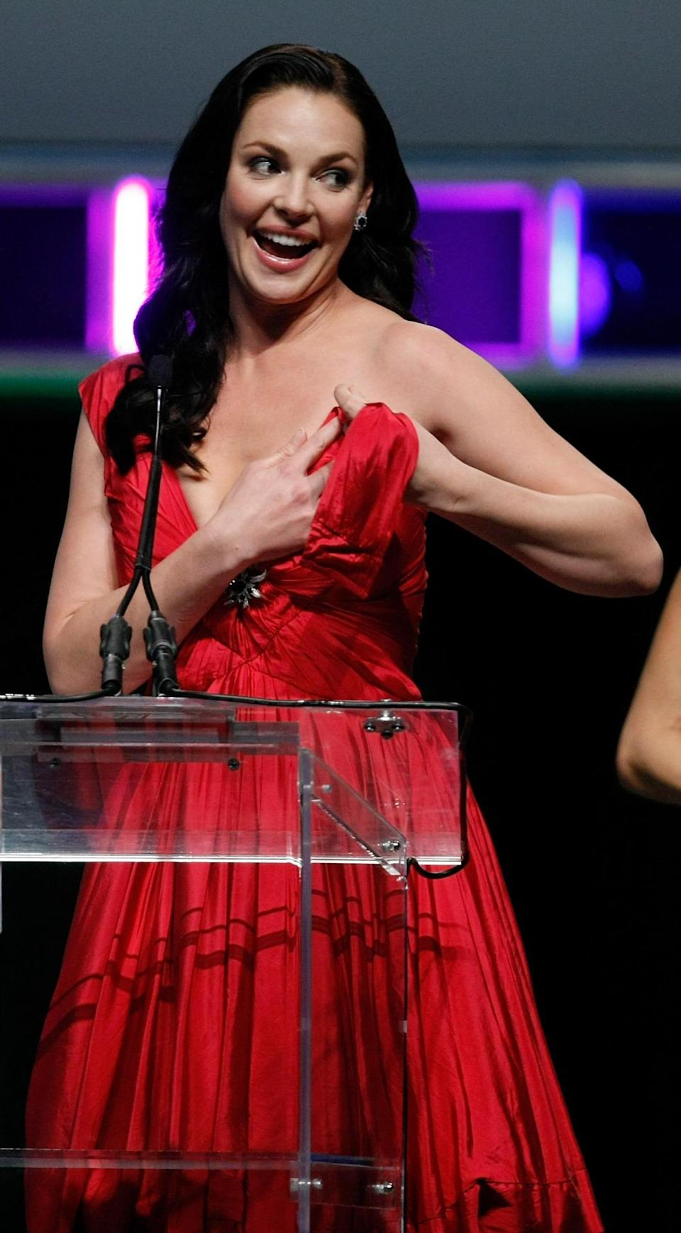 <p>Former 'Grey's Anatomy' actress Katherine Heigl experienced every woman's nightmare at the 2010 ShoWest ceremony. Like the pro she is, she swiftly put her dress back together and made light of the situation. <i>[Photo: Getty]</i></p>