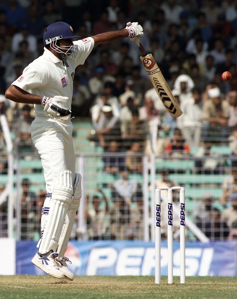 1 Mar 2001:  Javagal Srinath of India bats with one hand because of an injury, during day three of the first test between India and Australia, played Wankhede Stadium, Mumbai, India. X DIGITAL IMAGE  Mandatory Credit: Hamish Blair/ALLSPORT