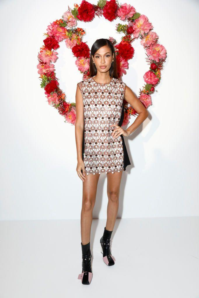 <p>The supermodel opted for a 1960s look.</p>