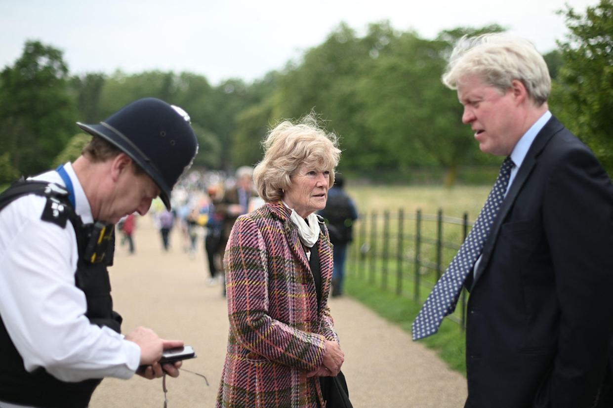 Sarah McCorquodale (C) and Charles Spencer (R), siblings of Britain's Princess Diana arrive at Kensington Palace for the unveiling of a new statue to their sister on what have been Princess Diana's 60th birthday in London on July 1, 2021. - Princes William and Harry will unveil a new statue of their mother, Princess Diana in the garden of Diana's former London home at Kensington Palace, in a stripped-back ceremony due to the coronavirus pandemic. (Photo by DANIEL LEAL-OLIVAS / AFP) (Photo by DANIEL LEAL-OLIVAS/AFP via Getty Images)