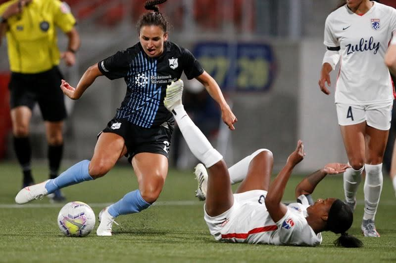 Canadian forward Evelyne Viens savours NWSL debut at Challenge Cup