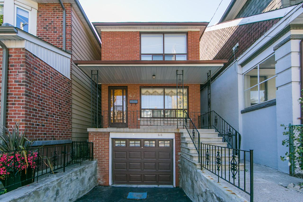 "<p><a rel=""nofollow"" href=""https://www.zoocasa.com/toronto-on-real-estate/5594613-68-eaton-ave-toronto-on-m4j2z5-e4251236"">68 Eaton Ave., Toronto, Ont.</a><br />Location: Toronto, Ontario<br />List Price: $1,000,000<br />(Photo: Zoocasa) </p>"