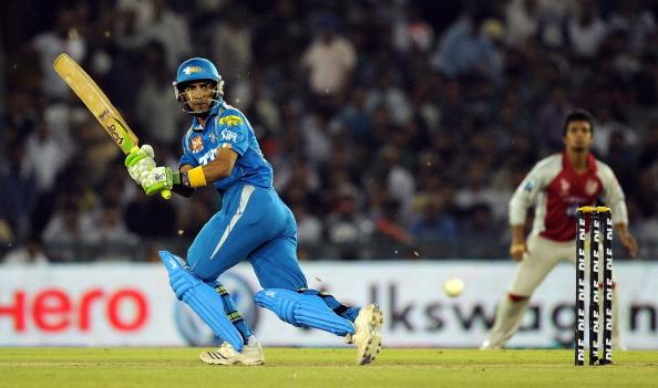 Pune Warriors batsman Mithun Manhas play : News Photo