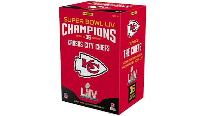 Check out these trading cards for Kansas City Chiefs fans.
