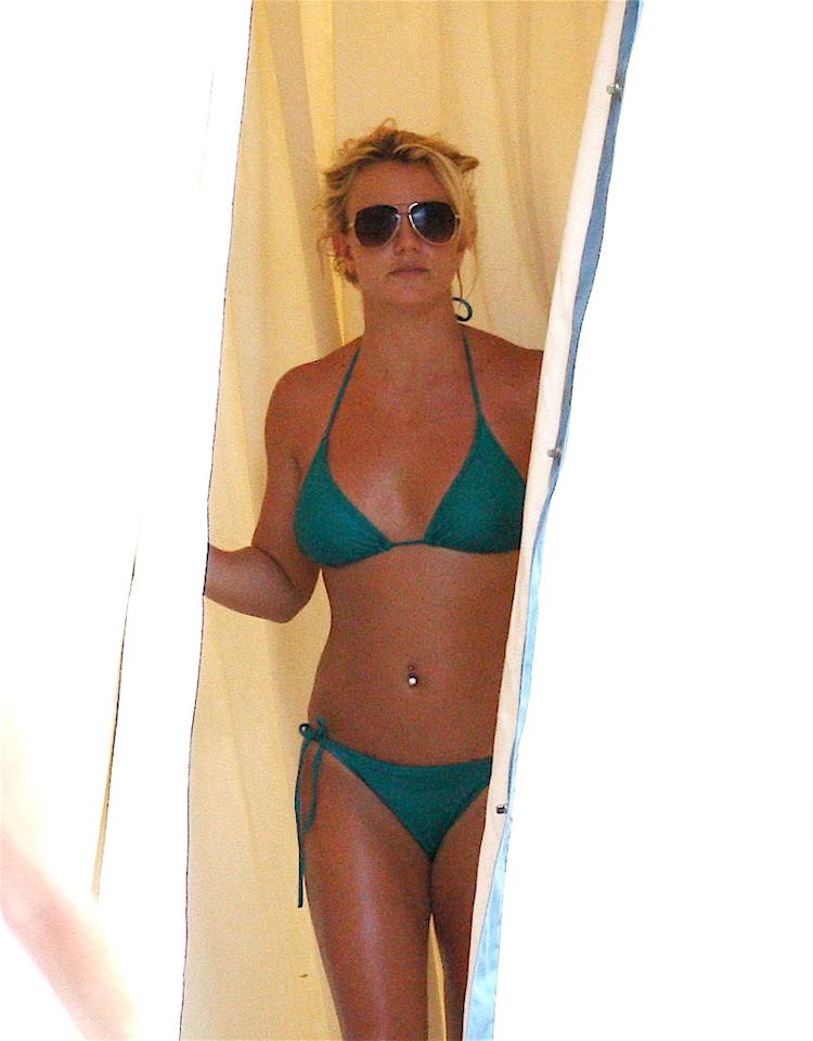 """Britney Spears is """"considering going naked in a movie!"""" declares Showbiz Spy, which adds the singer is """"in the 'best shape of her life' and has no intention of covering up!"""" So when is Spears going to take it off on-screen? For the answer, go to <a href=""""http://www.gossipcop.com/britney-spears-naked-nude-bare-exposed-body-movie-film/"""" target=""""new"""">Gossip Cop</a>. Kmm-Lins/<a href=""""http://www.x17online.com"""" target=""""new"""">X17 Online</a> - August 29, 2010"""
