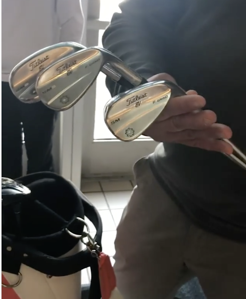 """Pro golfer finds clubs for sale months after they were """"lost"""" on flight"""
