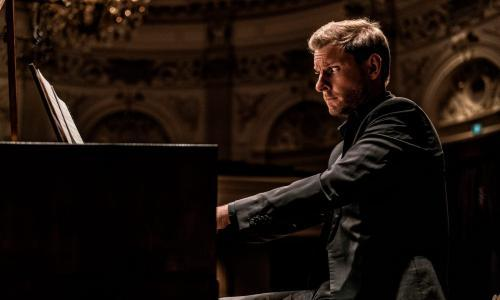 Bezuidenhout: Beethoven Piano Concertos 2 and 5 review – boisterous and charming