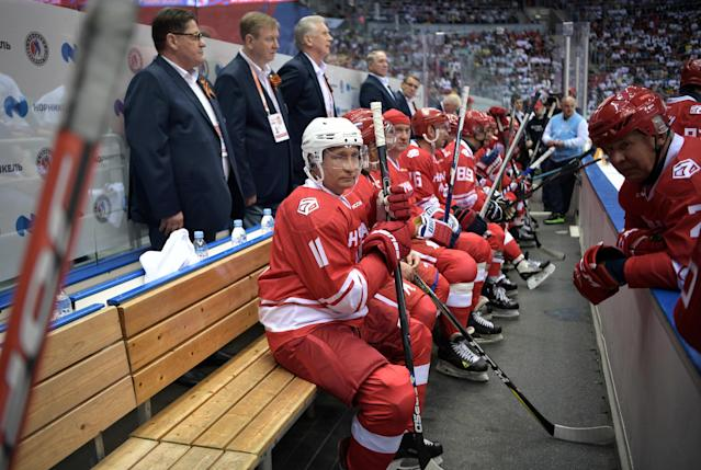 Russian President Vladimir Putin takes part in a gala match at the All-Russia Festival of Night Hockey League in Sochi, Russia May 10, 2018. Sputnik/Alexei Nikolsky/Kremlin via REUTERS ATTENTION EDITORS - THIS IMAGE WAS PROVIDED BY A THIRD PARTY.