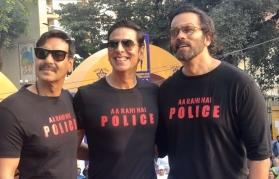 Akshay Kumar, Ajay Devgn attend Maharashtra Police International Marathon