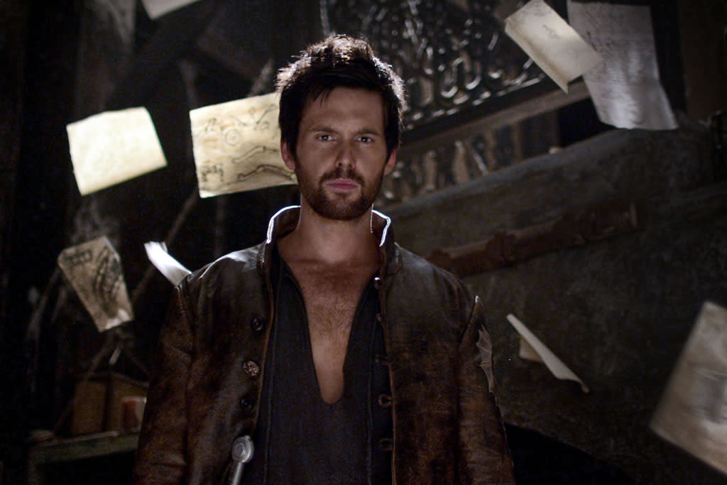 "Tom Riley as Leonardo Da Vinci in Starz's ""Da Vinci's Demons."""