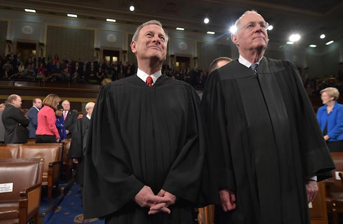 Chief Justice John Roberts and Justice Anthony Kennedy before the State of the Union address by President Barack Obama on Jan. 20, 2015. (Photo: Mandel Ngan/Pool/Getty Images)
