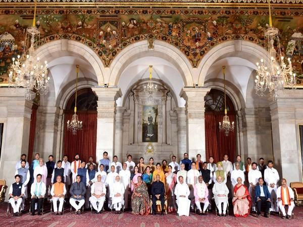 President Ram Nath Kovind with the Council of Ministers. (File photo/ANI)