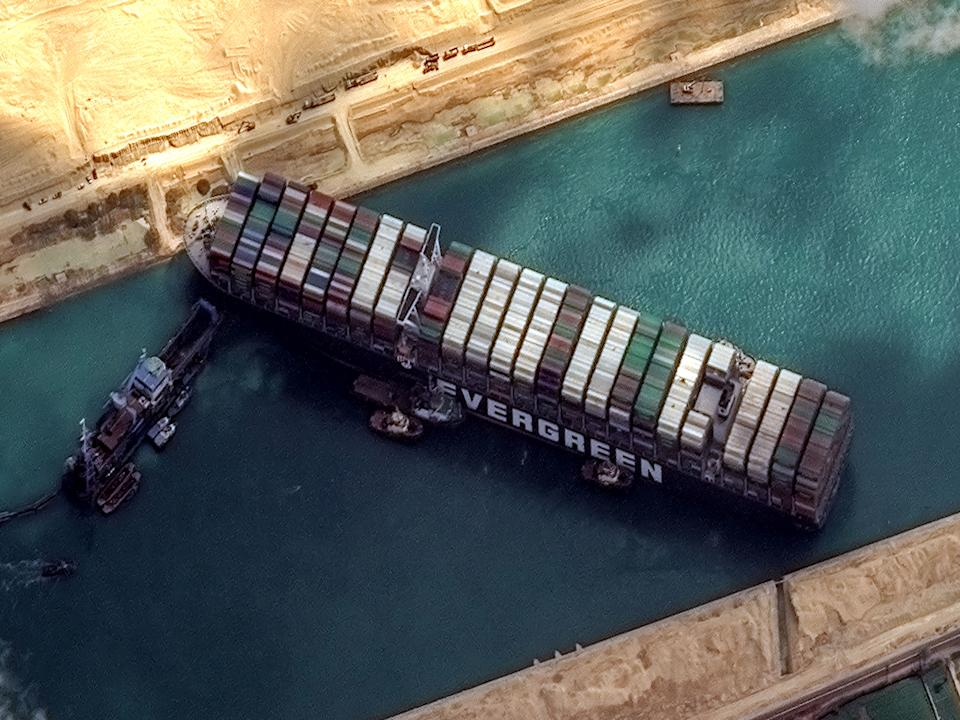 High-resolution satellite imagery of the container ship that remains stuck in the Suez Canal. (Photo: DigitalGlobe/ScapeWare3d via Getty Images)