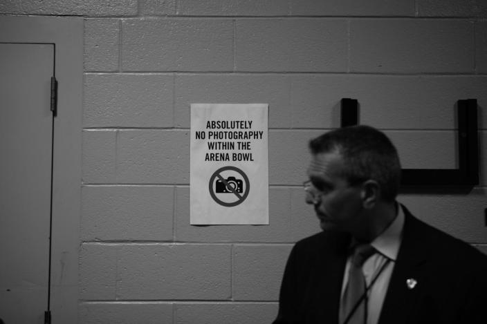 <p>US Secret Service agent stands near a sign prohibiting photography during the DNC Convention in Philadelphia, PA. on July 25, 2016. (This did not apply for the DNC). (Photo: Khue Bui for Yahoo News)</p>