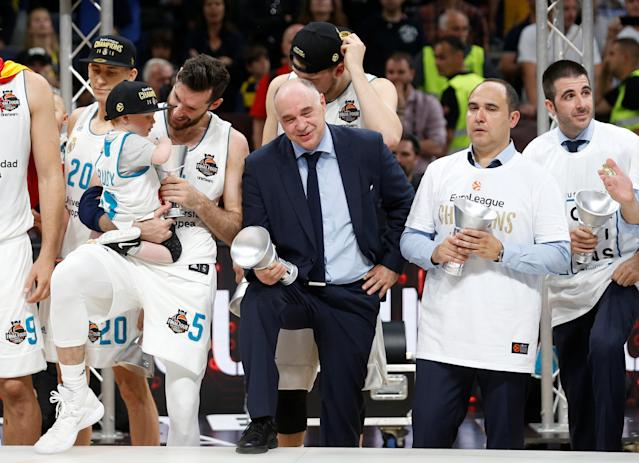 Basketball - Euroleague Final Four Final - Real Madrid vs Fenerbahce Dogus Istanbul - Stark Arena, Belgrade, Serbia - May 20, 2018 Real Madrid coach Pablo Laso with the trophy after the match REUTERS/Alkis Konstantinidis
