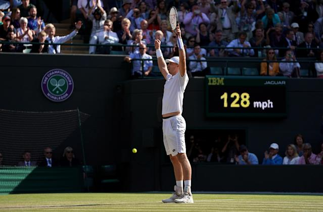 Kevin Anderson salutes the Centre Court Crowd after his stunning comeback