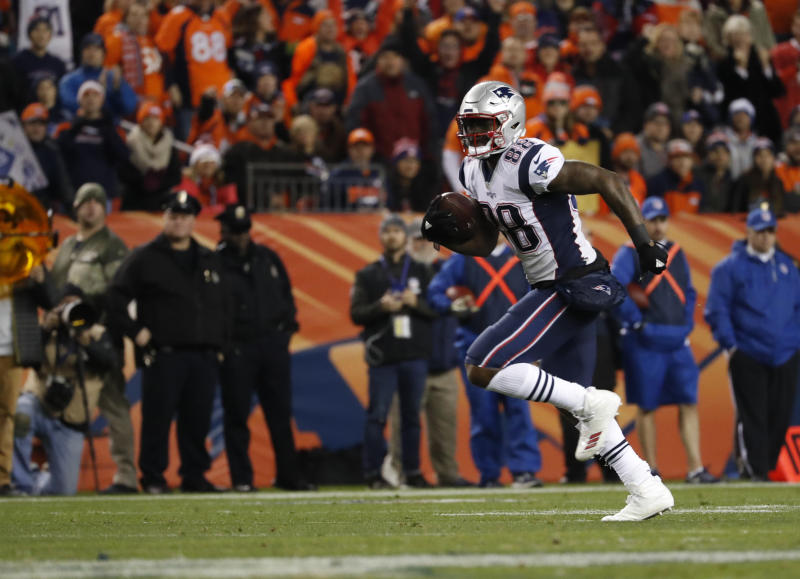 New England Patriots tight end Martellus Bennett will be placed on injured reserve. (AP)