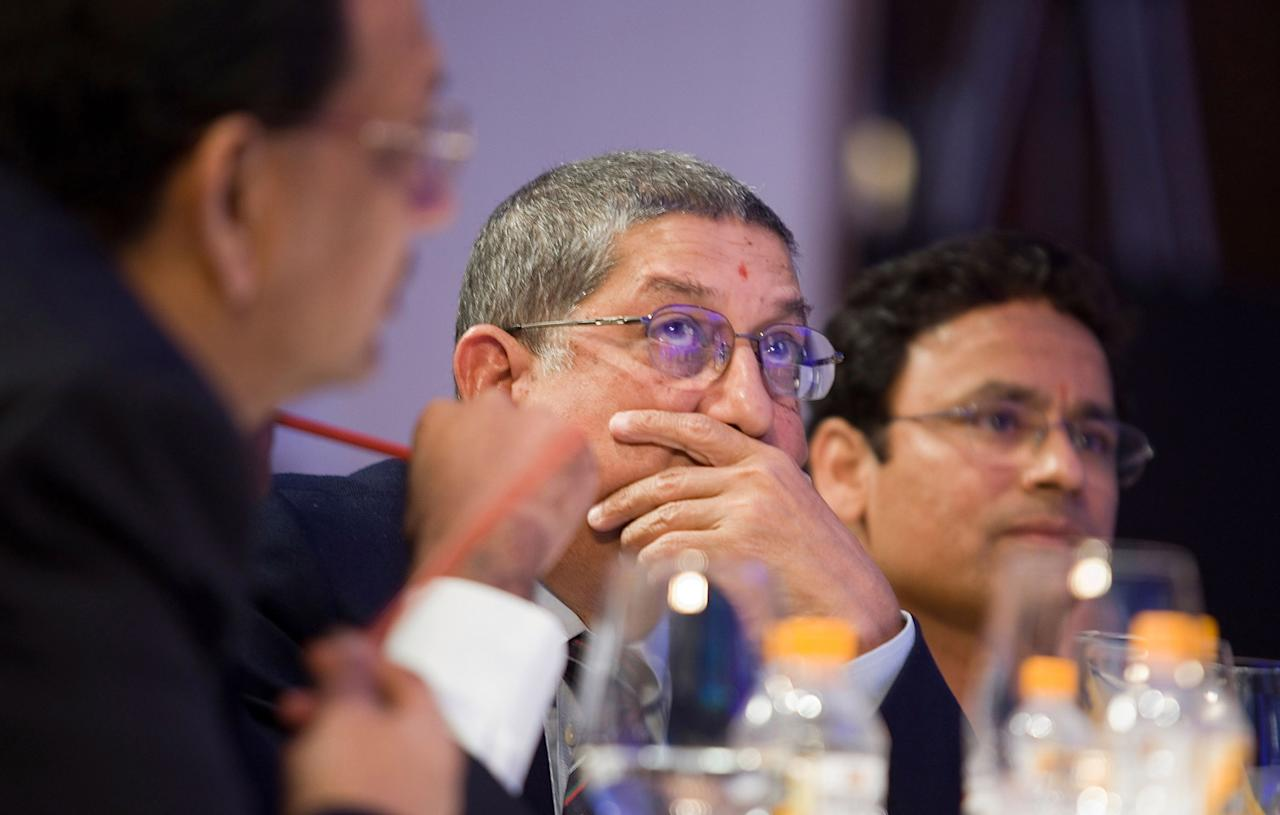 MUMBAI, INDIA - JANUARY 19:  N. Srinivasan (C), the BCCI Secretary and the owner of Chennai Super Kings team attends the Indian Premier League Auction 2010 on January 19, 2010 in Mumbai, India.  (Photo by Ritam Banerjee/Getty Images)
