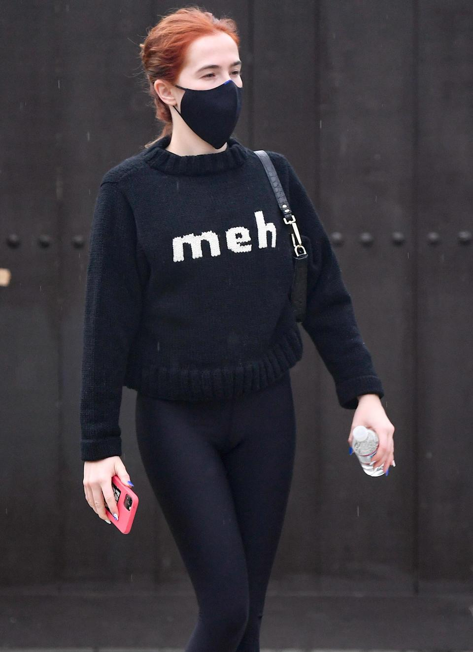 <p>Zoey Deutch heads to her early morning workout session on Wednesday.</p>