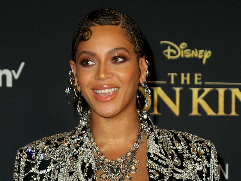 Beyonce wore over 300 carats of diamonds to 2020 Golden Globes